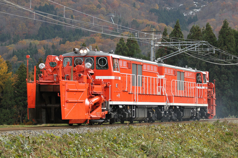 【JR東】DD14-327+332 試運転
