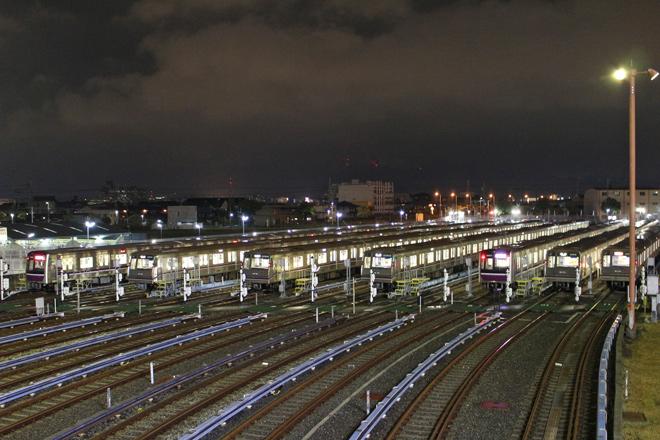 【大交】谷町線八尾車庫にて車両ライトアップ