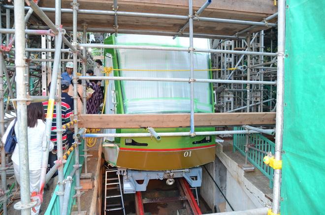 【大山】新型ケーブルカー組立現場見学会