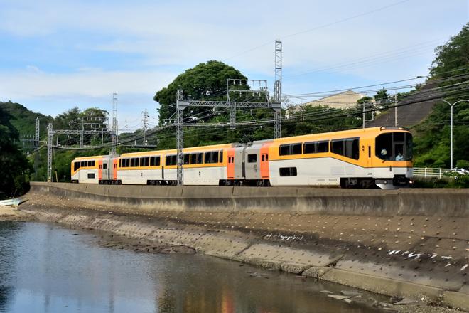【近鉄】20000系 楽「ウルトラマン列車」運転