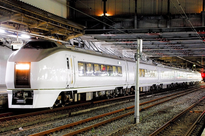【JR東】651系が2702日ぶりに仙台駅から乗客を乗せて出発